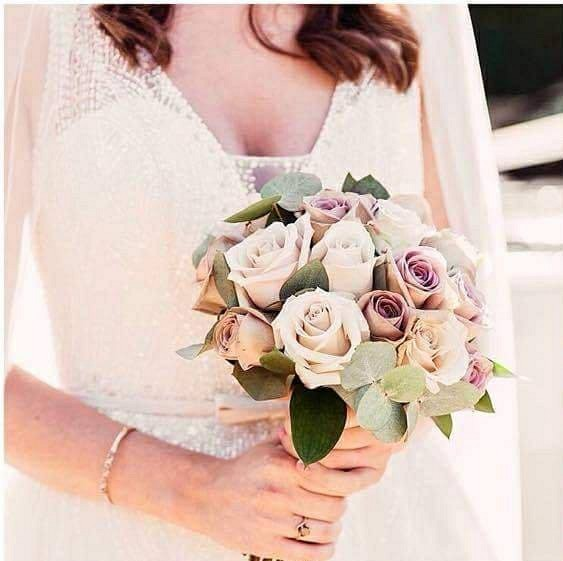 Blush and nude wedding flowers