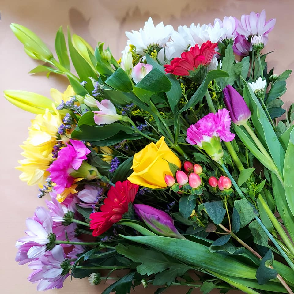 Weekly flower bouquet